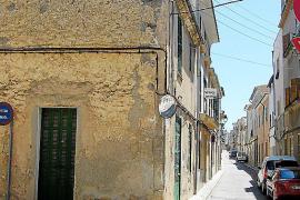 El Ajuntament de Felanitx compra la primera casa para derruirla y hacer párkings