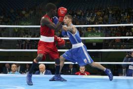 Carmona cae en un cerrado combate ante el colombiano Martínez