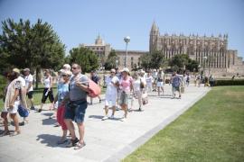 Saturación humana en el centro de Palma por la masiva afluencia de turistas