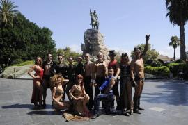 Los artistas de 'The Hole 2', en las calles de Palma