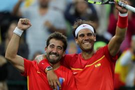 Rafael Nadal y Marc López se aseguran la medalla