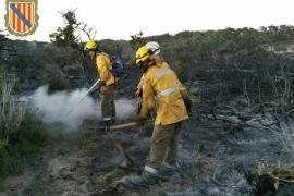 Fuego en el islote protegido de s'Espalmador
