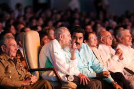 Fidel Castro reaparece junto a Maduro en el homenaje por su 90 aniversario