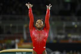 Simone Biles logra su tercera medalla de oro