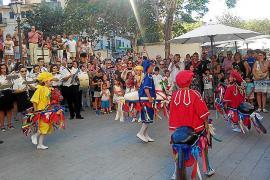 La nueva procesión de Santa Càndida enaltece la fiesta