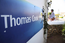 Las federaciones hoteleras de las Islas estudian emprender acciones legales contra Thomas Cook