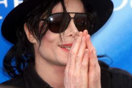 Un sombrero de Michael Jackson es vendido por 17.500 euros