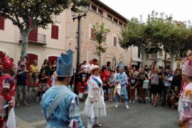 Aina Sastre hace historia en Alaró como primera Dama dels Cossiers