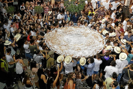 La gran ensaimada de Sant Roquet culmina las fiestas patronales