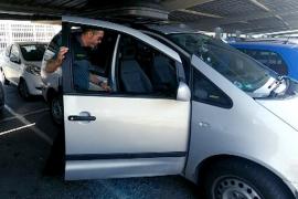 La Guardia Civil rescata a un bebé de 9 meses que estaba inconsciente en un coche