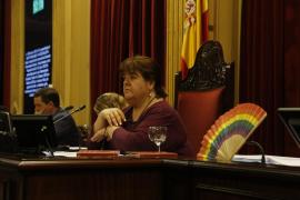 Lío entre la presidenta del Parlament Xelo Huertas y la izquierda por la ubicación de la Oficina Anticorrupció
