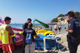 Fallece un hombre de 61 años en la playa Palmira de Peguera