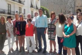 El secretario general del PSOE alaba el trabajo de Armengol pero recuerda que «queda mucho por hacer»