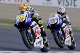 Rossi (Yamaha): «Lorenzo y yo hemos  tenido una batalla fantástica y una competición limpia»