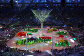 Río despide sus Juegos Olímpicos bajo la lluvia