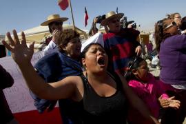 Llegan a la mina de Chile los módulos para rescatar a los 33 atrapados