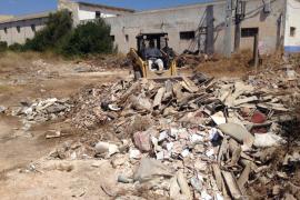 Emaya elimina un vertedero de 15 toneladas de amianto en Es Carnatge