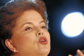 Dilma Rousseff y José Serra pelearán ahora por lograr el 'voto verde' de Silva