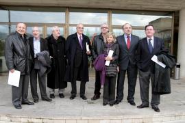 Ex consellers piden a Llinàs un modelo basado en el esfuerzo y el fin de las batallas normativas