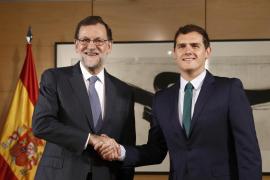 PP y C's cierran el acuerdo de investidura