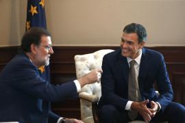 Sánchez traslada su «no» a Rajoy en una reunión de apenas media hora