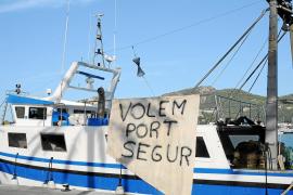 Los comercios del Port reúnen 841 firmas a favor del traslado del muelle de pescadores