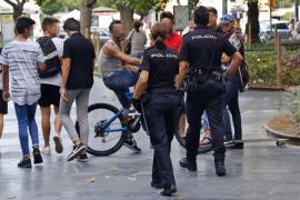 «Los chavales se lo toman como un juego, se ríen de la Policía Nacional»