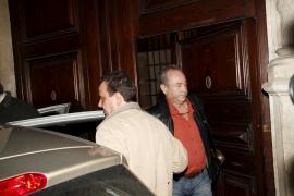 Castro abre la vía para juzgar a Matas y a su mujer por blanqueo en la compra y reforma de su palacete