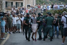 Desalojados varios antitaurinos en el 'correbou' de Fornalutx