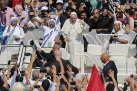 El Papa, en la canonización de Teresa de Calcuta: «Seguiremos llamándola madre»