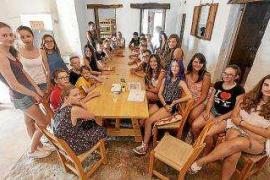 15 chicos de Alemania y 15 de Eivissa juntos en la casa de colonias Can Tomeu