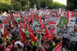 La Audiencia duda si el recorte salarial del Gobierno a los funcionarios es constitucional