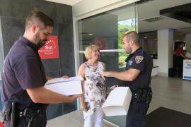 Agradecimiento de una familia inglesa a la Policía Local de Calvià