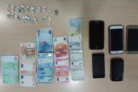Tres detenidos por tráfico de drogas, estancia irregular y delito contra los derechos de los trabajadores en s'Illot