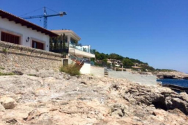 Vecinos de Bendinat denuncian el cierre de un acceso libre al litoral