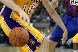 El Barça 'machaca' a los Angeles Lakers