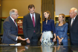 El Rey evoca a Cela como figura «imprescindible» para comprender España