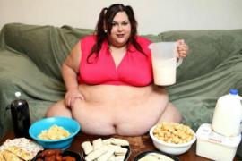 Una mujer quiere convertirse en la más obesa del mundo