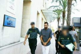 El parricida de Menorca declara ante el juez tras recibir el alta médica