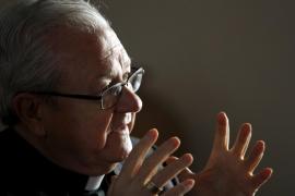 El obispo Salinas se despide de Mallorca pidiendo disculpas