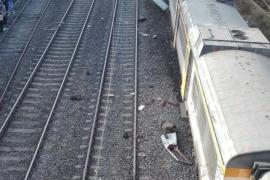 Cuatro muertos al descarrilar un tren de pasajeros en Pontevedra