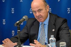 De Guindos explicará este martes el 'caso Soria' en la Comisión de Economía