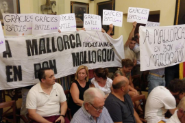 La Fundació Jaume III calienta el pleno de Manacor en defensa del 'salat' del alcalde