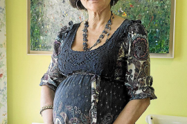 Una doctora gallega, embarazada a los 62 años