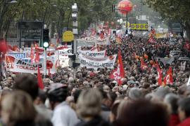 Sarkozy se mantiene firme pese al éxito de la movilización sindical