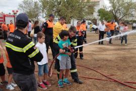 Centenares de personas participan en la 'Diada' de voluntarios de Proteccion Civil de Mallorca