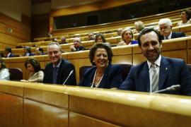 El portavoz popular en el Senado respeta que Barberá siga en su escaño como otros imputados