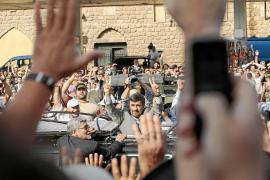 Ahmadineyad, aclamado en Líbano, visita hoy la frontera con Israel