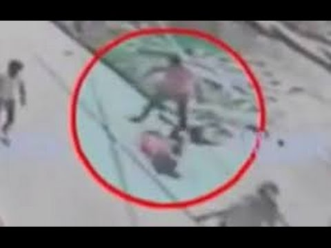 Indignación en India por el asesinato de una mujer en una calle ante la indiferencia de los viandantes