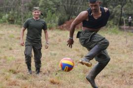 Las FARC cambian las armas por la música para festejar la paz